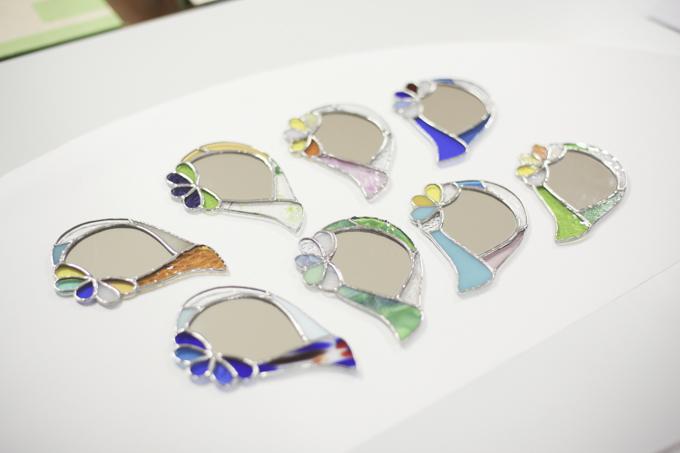 ステンドグラスの手鏡作りワークショップ