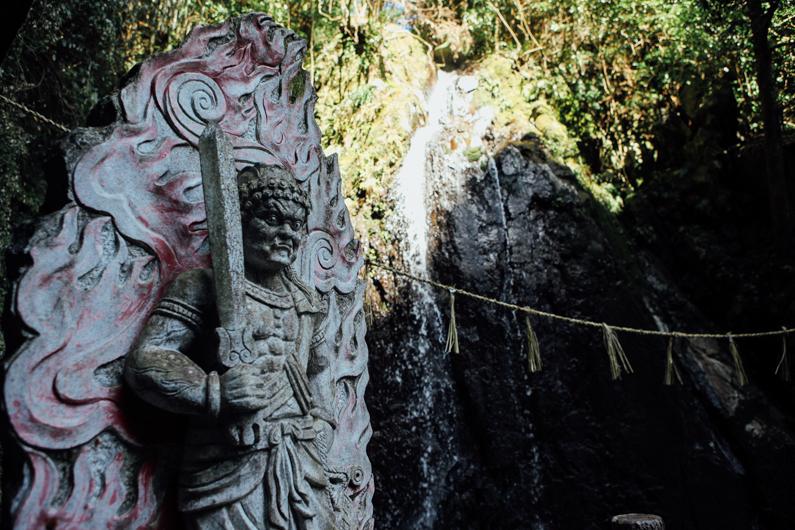 縁結びの神様「滝の宮不動尊」